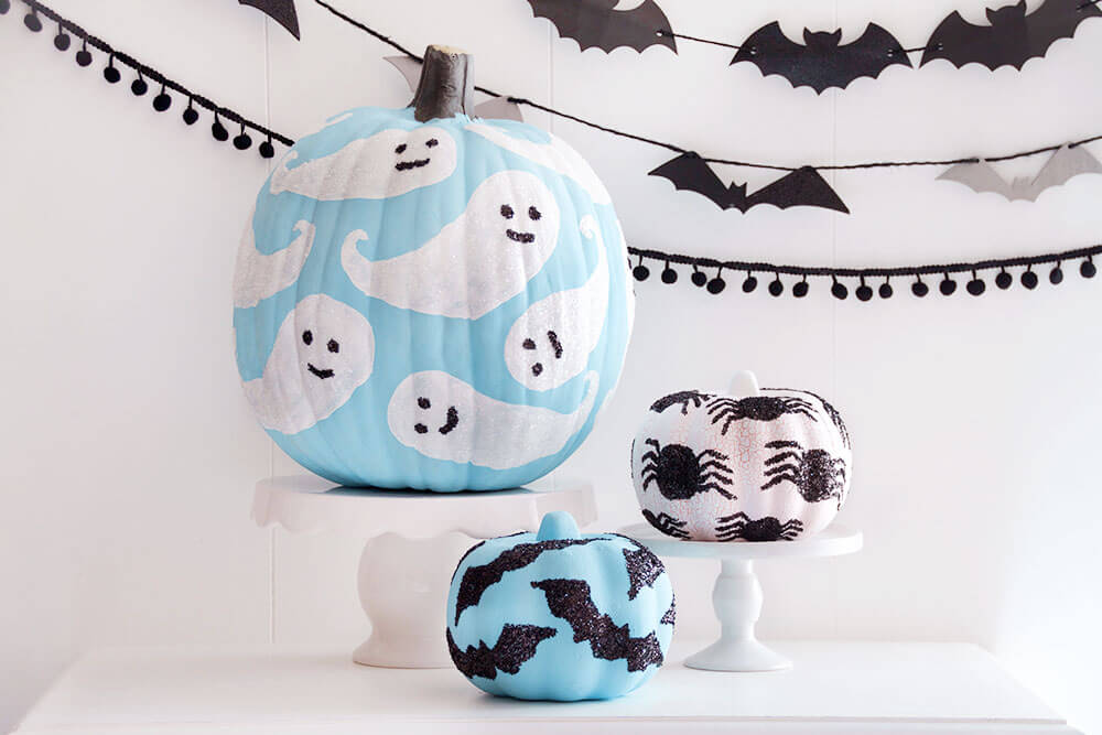 ihn-glitter-decorated-pumpkins-1
