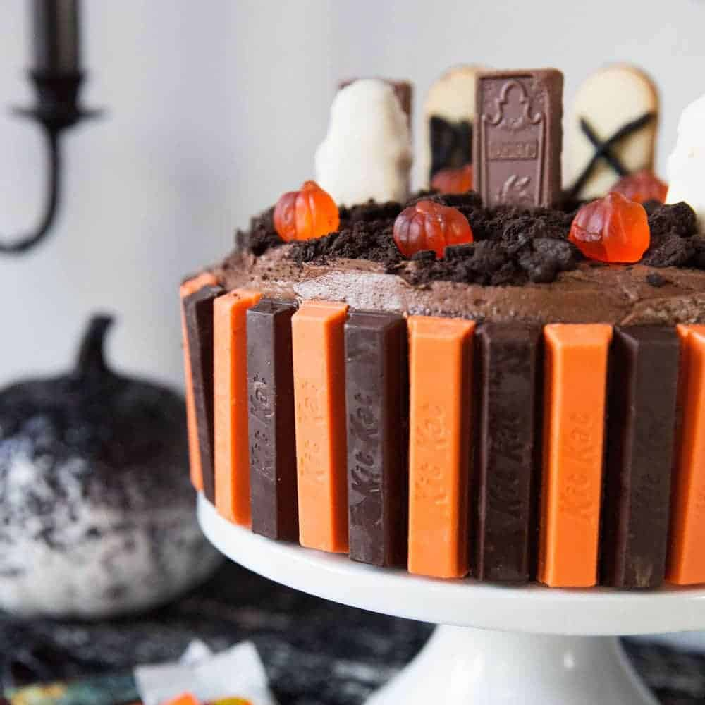 Halloween graveyard cake i heart nap time for Easy halloween cakes to make at home