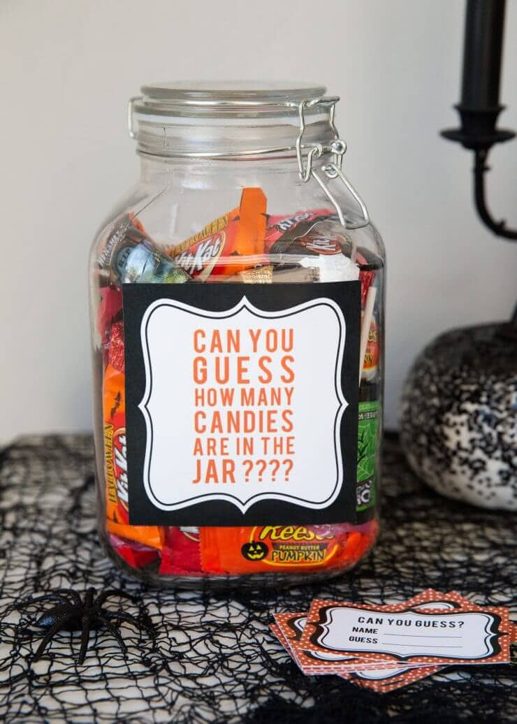 5 easy kids halloween games candy guess game