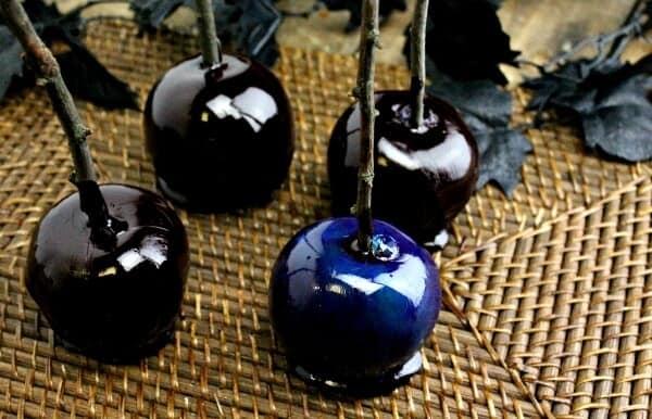 Top 50 Halloween Recipes... Poison Apples