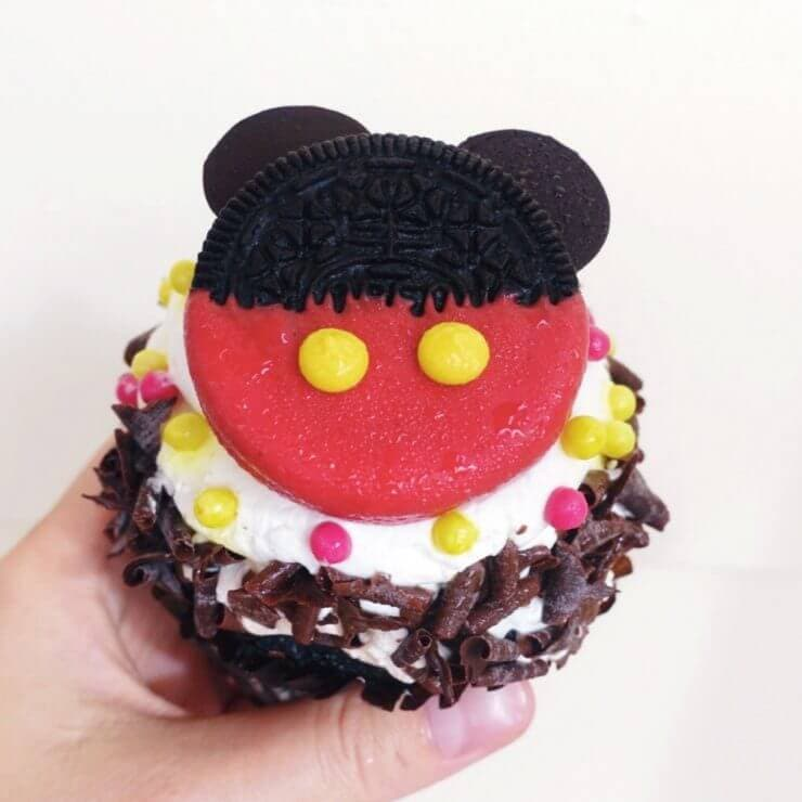 Mickey Mouse cupcakes from Boardwalk Bakery
