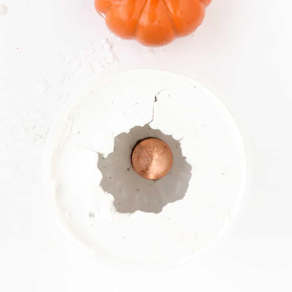 DIY plaster pumpkin candle holders