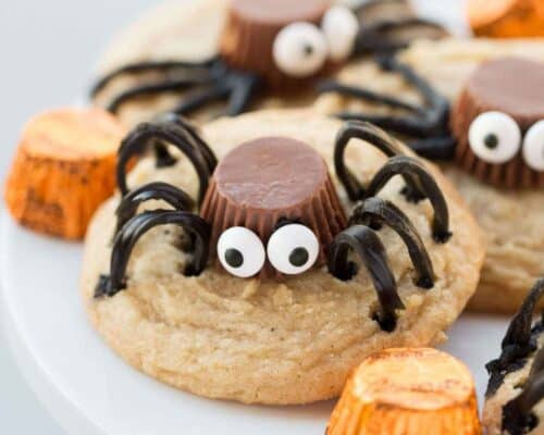 Spider Cookies... a fun and delicious Halloween cookie!