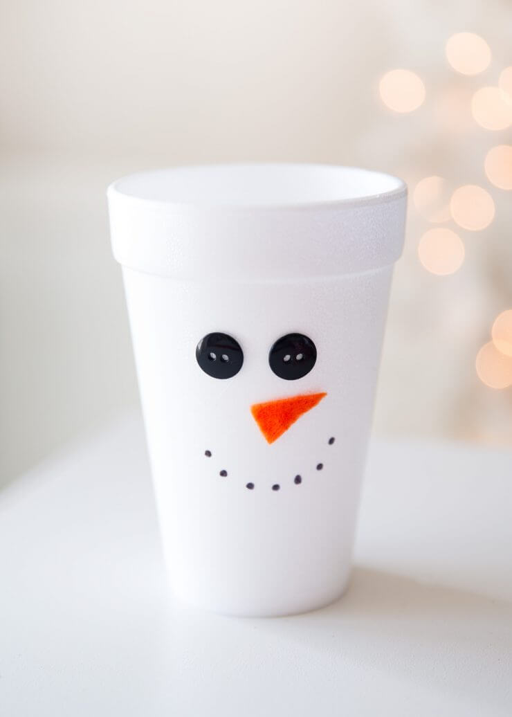 Wrapped Christmas Table and Snowman Plates... making the cute cups!