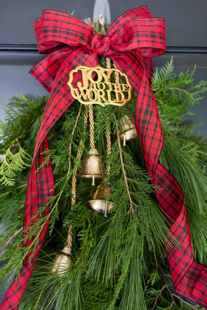 Evergreen holiday door swag i heart nap time for Christmas swags and garlands to make