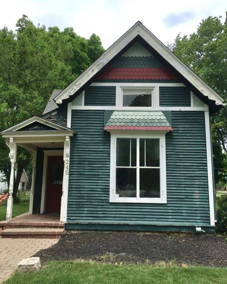 Our 1888 Fixer Upper ...how we got started and where we are going with what was a run-down home into a charming house!