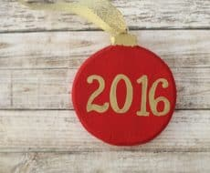 Handmade Memory Ornament ...a delightful, easy DIY to record your favorite memories of the year, and repeat year after year!