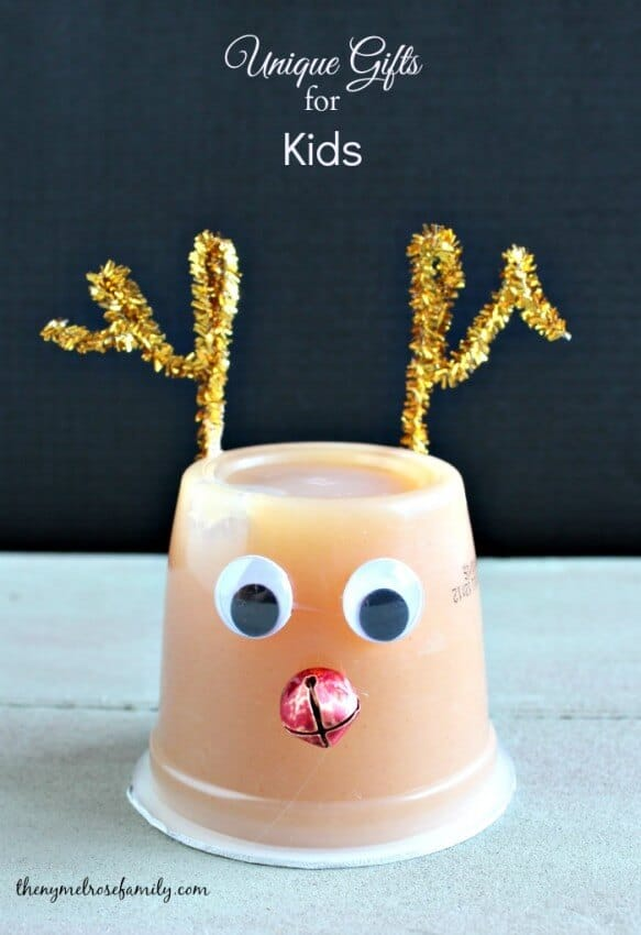 Melted Rudolph Popcorn ...a cute snack idea perfect for the holiday season! A delicious salty and sweet combination perfect for parties and family time.