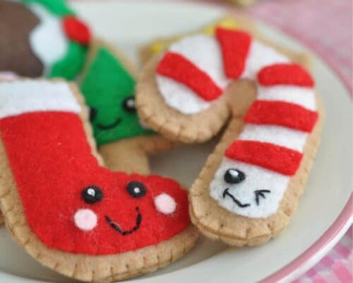 Felt Food Christmas Cookies ...adorable holiday treats in felt form, perfect for holiday play and imagination!