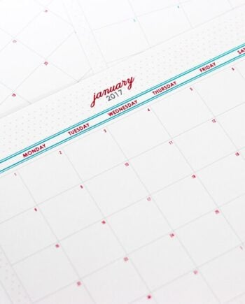 Download this FREE Printable 2017 Monthly Calendar to stay organized this year!