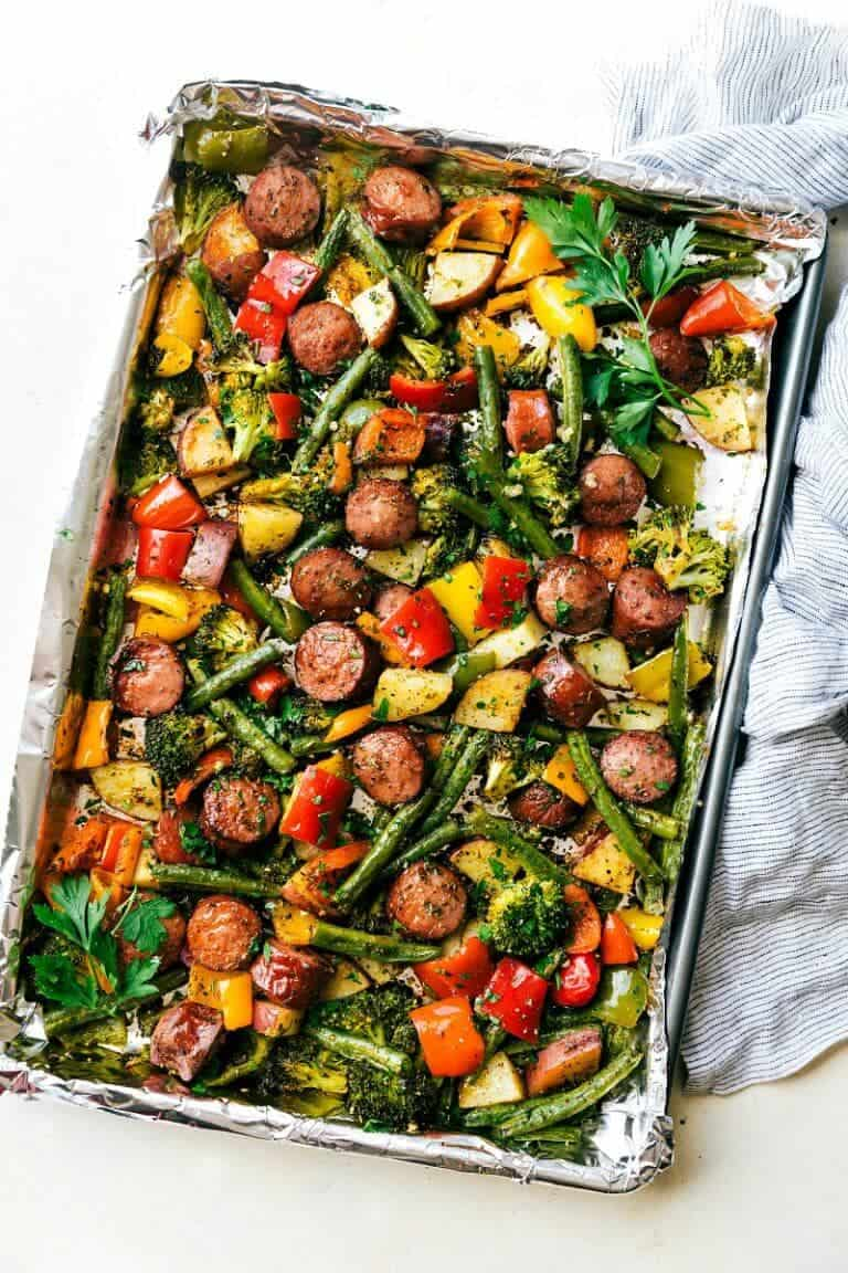 Healthy sausage and veggies + 25 Delicious Sheet Pan Dinner Recipes that will make dinnertime a dream with easy prep work and less dishes!