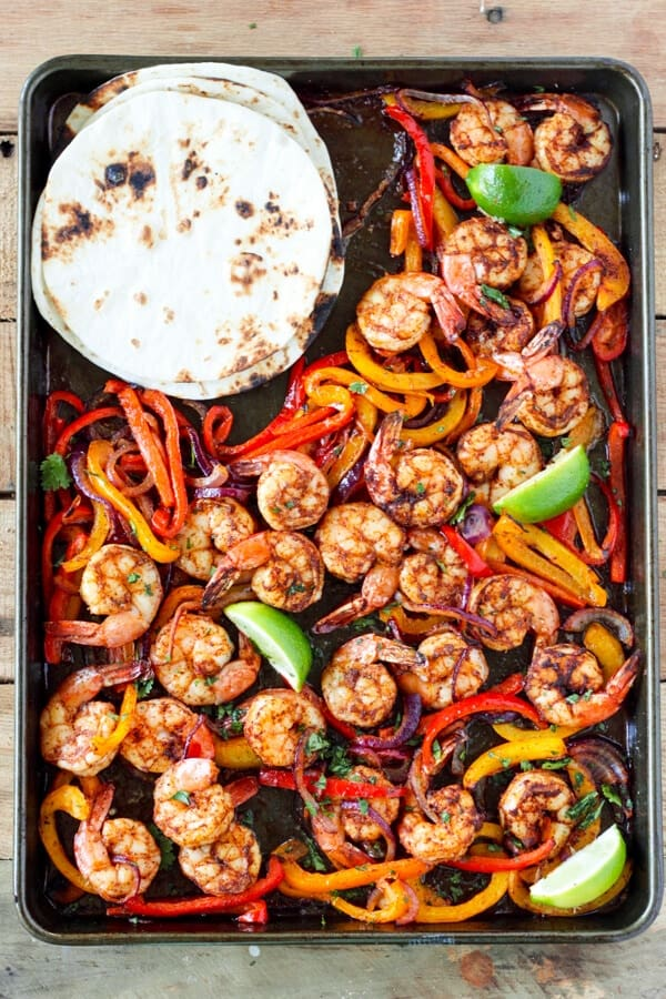 Shrimp fajitas + 25 Delicious Sheet Pan Dinner Recipes that will make dinnertime a dream with easy prep work and less dishes!