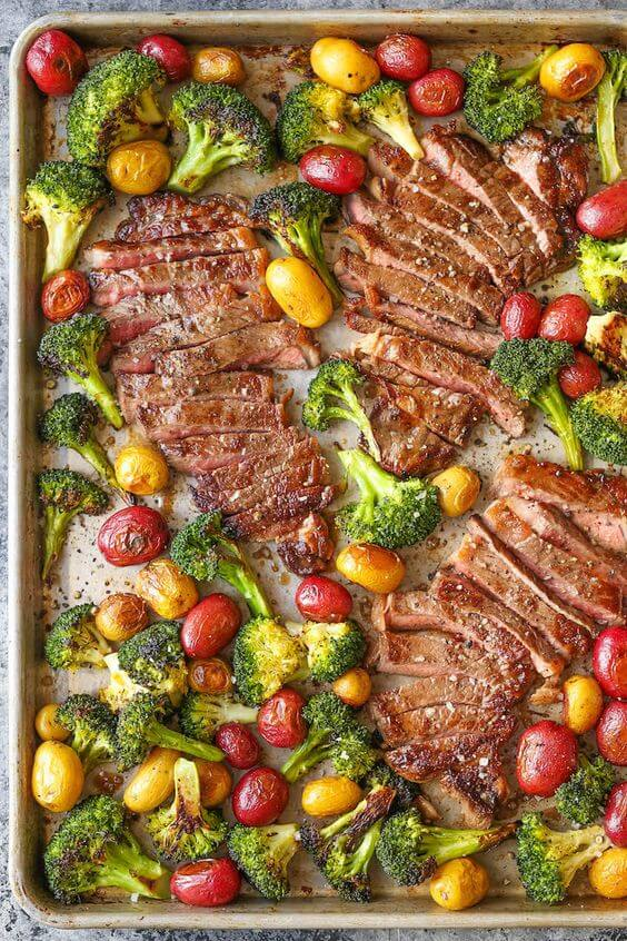 Steak and veggies + 25 Delicious Sheet Pan Dinner Recipes that will make dinnertime a dream with easy prep work and less dishes!
