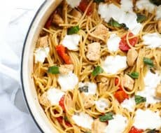 One Pot Caprese Pasta with Chicken ...the easiest, most amazing pasta dish ever. Everything get's cooked together in one pot and is done in 8 minutes!