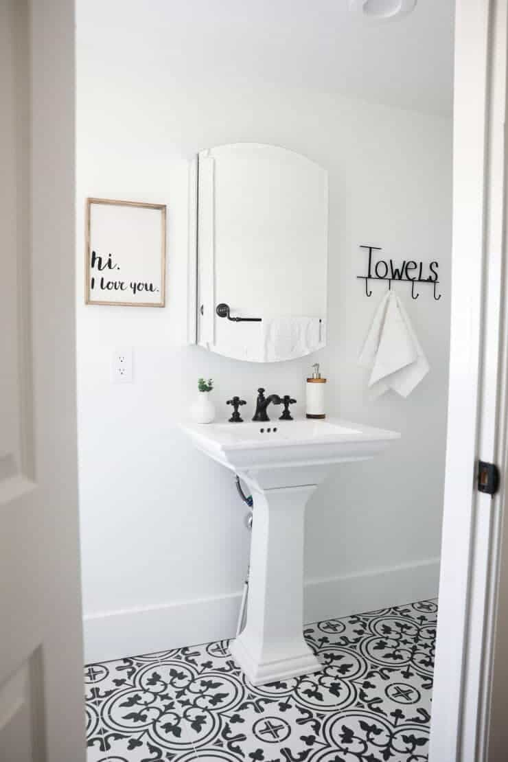Black and white bathroom i heart nap time for Bathroom ideas black tiles