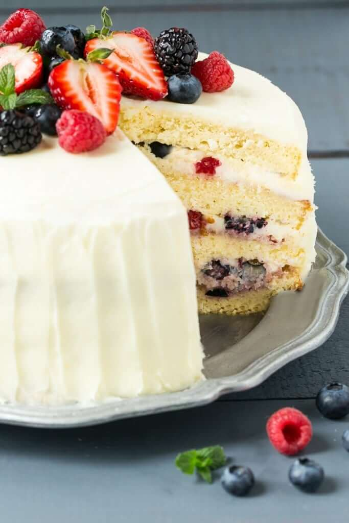 Publix Cake With Layer Of Fruit Inside