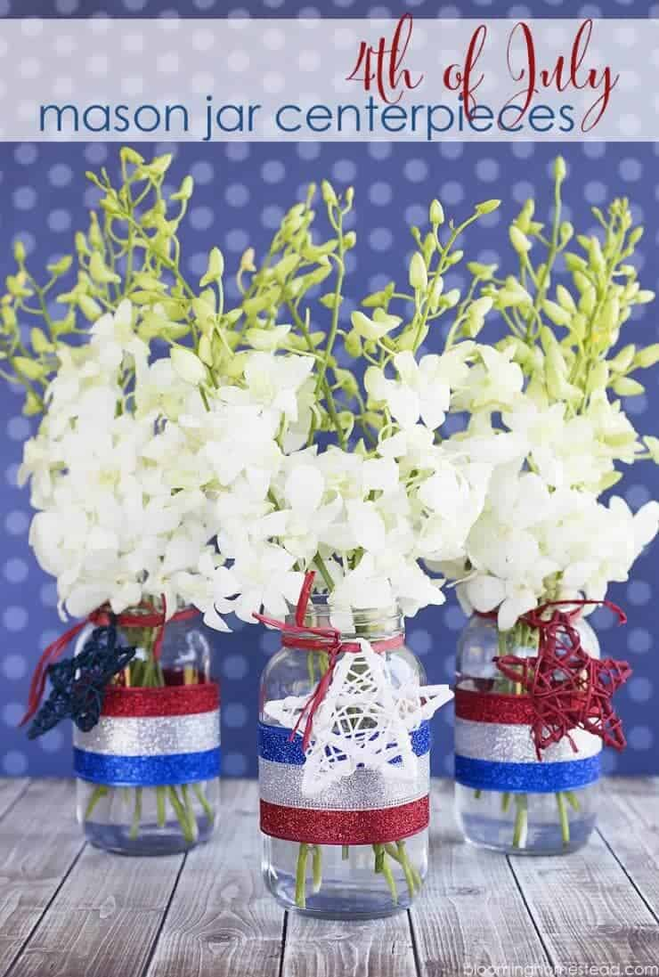 Patriotic Mason Jar Centerpiece http://www.bloominghomestead.com/wp-content/uploads/2016/06/4th-of-July-Mason-Jar-Decor.jpg