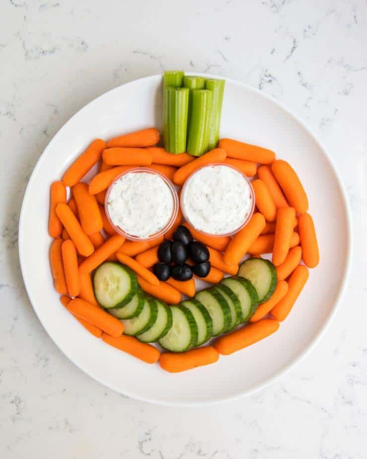 Pumpkin vegetable platter +our favorite Halloween snack ideas for school ...cute, easy, non-candy ideas that kids will love!