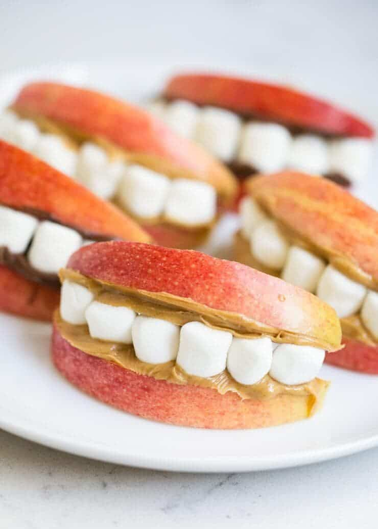 Monster apple teeth -cute and easy Halloween snack idea!