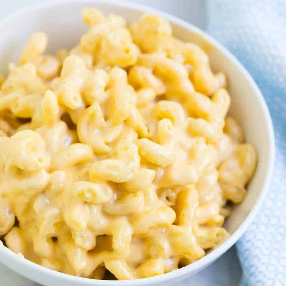 Creamy Slow Cooker Mac and Cheese (10-minute prep!) - I
