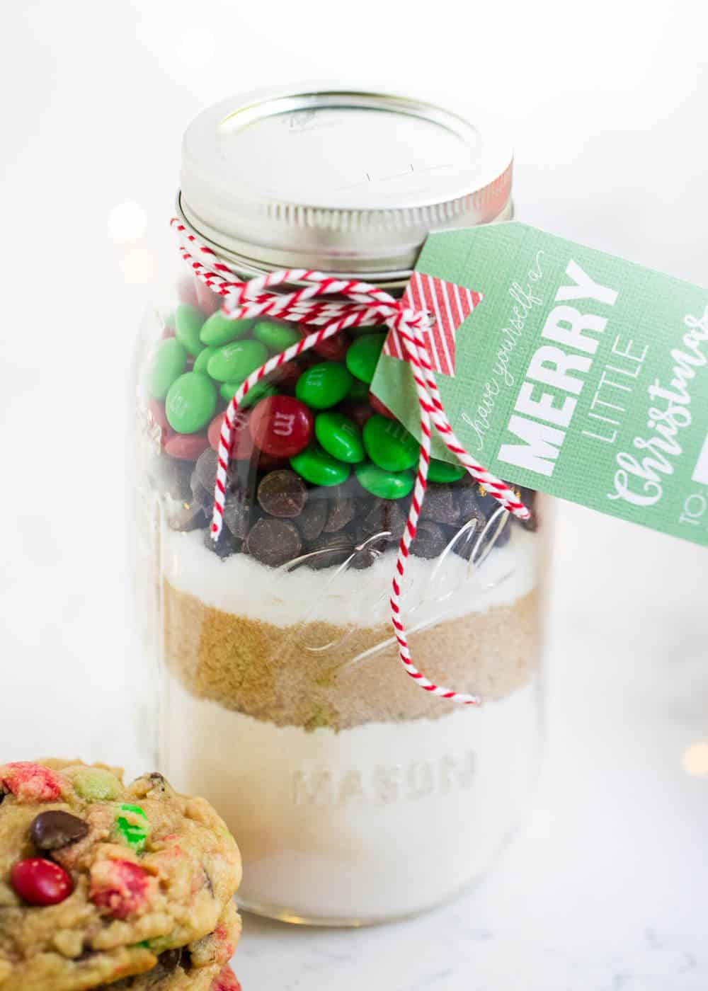 https://www.iheartnaptime.net/wp-content/uploads/2017/11/mason-jar-cookie-mix-i-heart-naptime.jpg