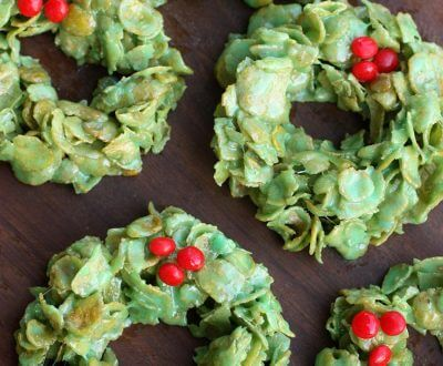 25 Festive Finger Food Holiday Desserts - these Christmas desserts are not only delicious, but they are festive, fun, and the perfect bite-size treat!