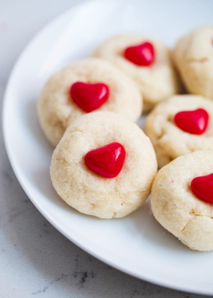 Easy sugar cookies for Valentines Day - I Heart Nap Time