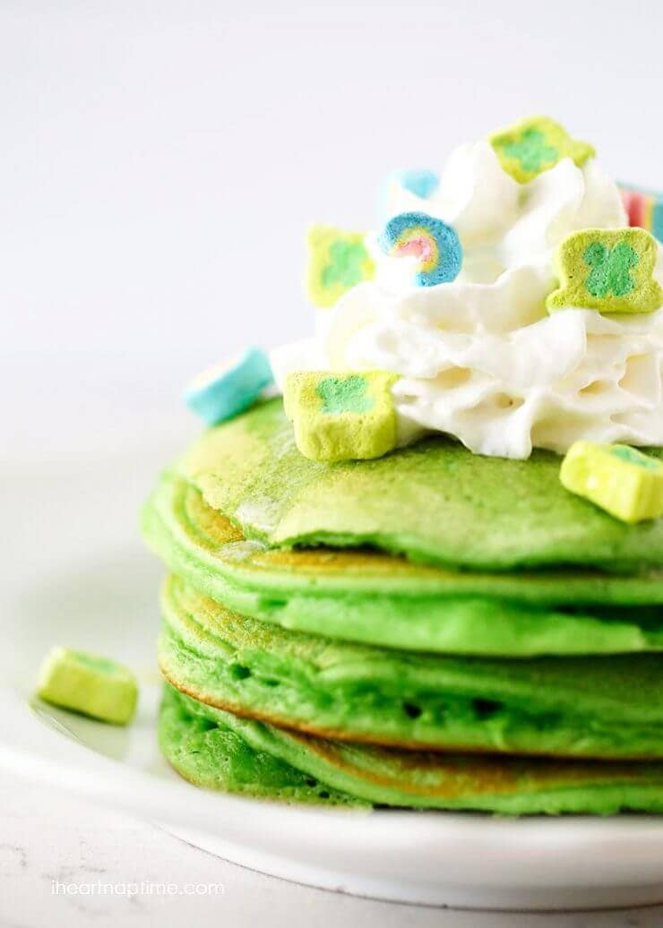 Saint Patrick's breakfast ideas - green pancakes, rainbow fruit parfaits, lucky charms and green milk. Simple, GREEN and completely scrumptious.