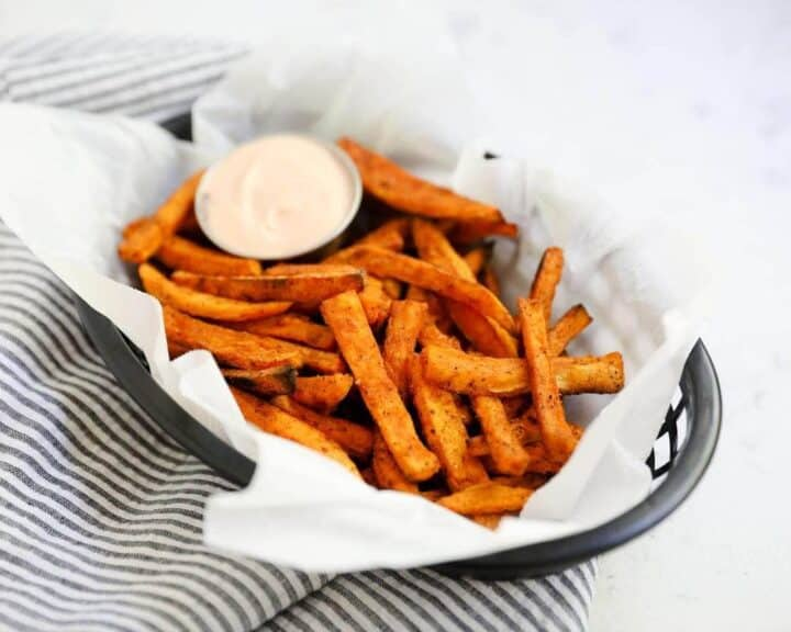 basket of sweet potato fries with fry sauce