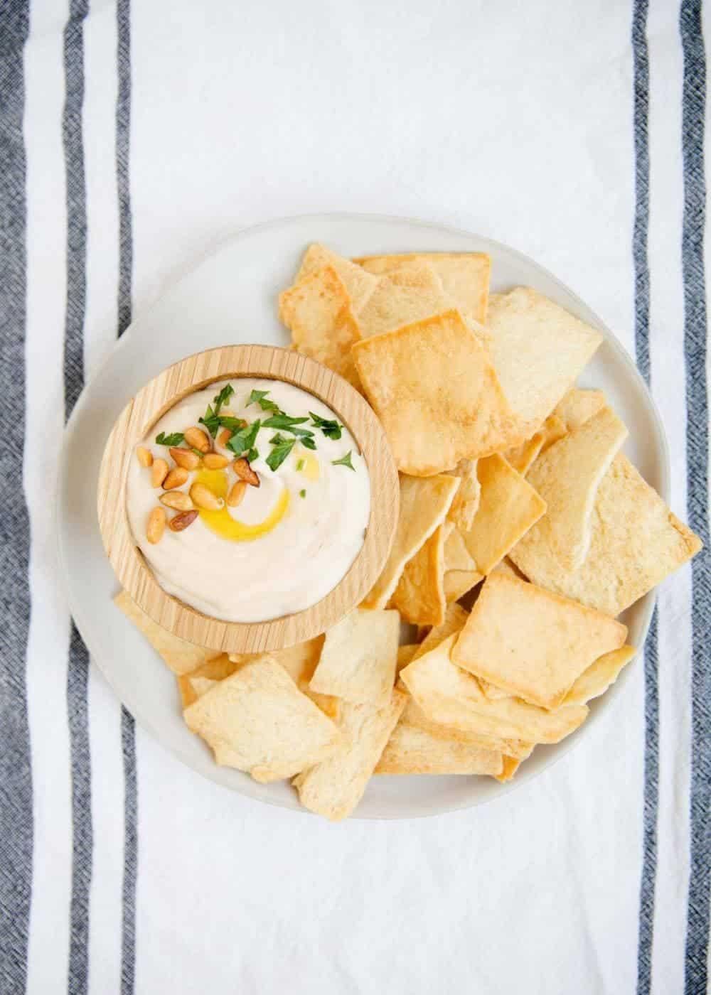 white bean hummus with pita chips