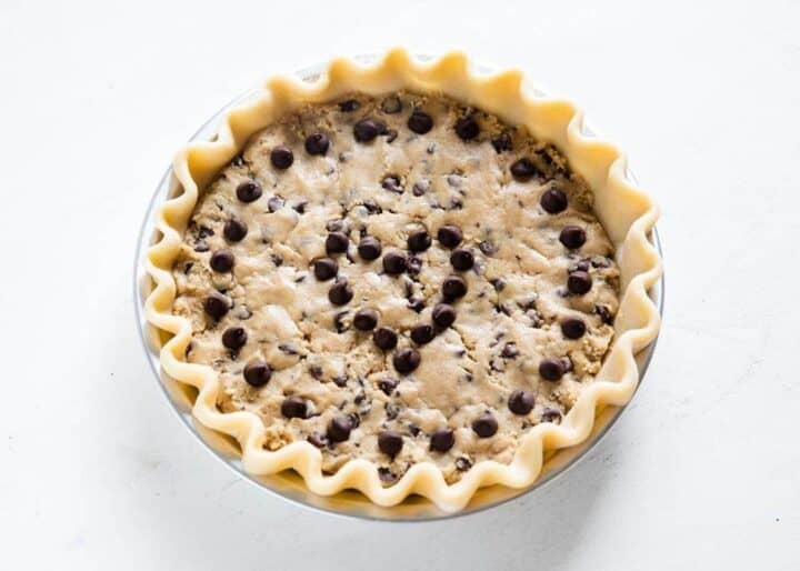 chocolate chip cookie pie in pie pan
