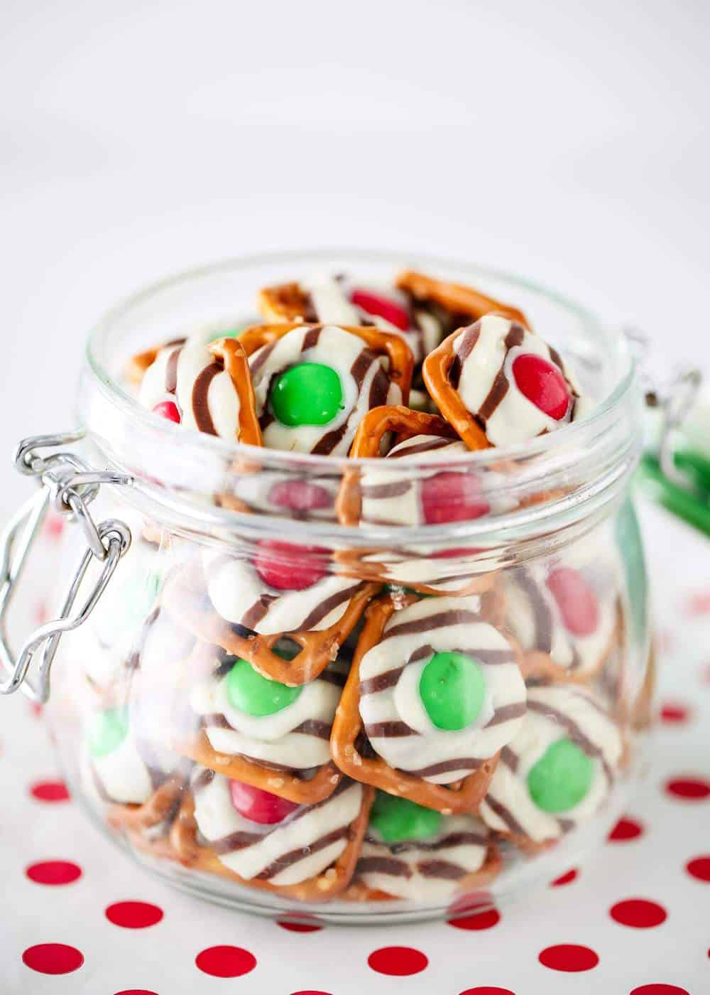 Christmas pretzel hugs in a glass container