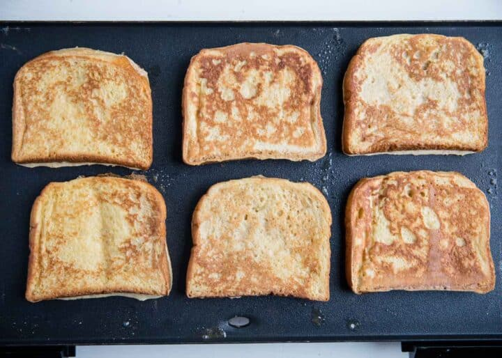 cooking french toast on the griddle