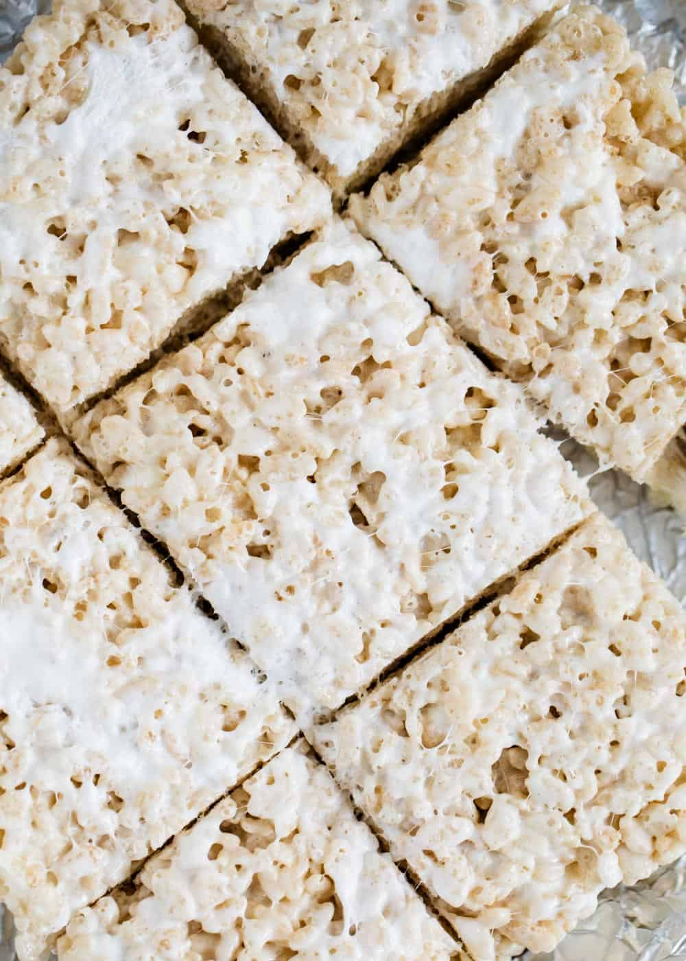 squares of cut rice crispy treats