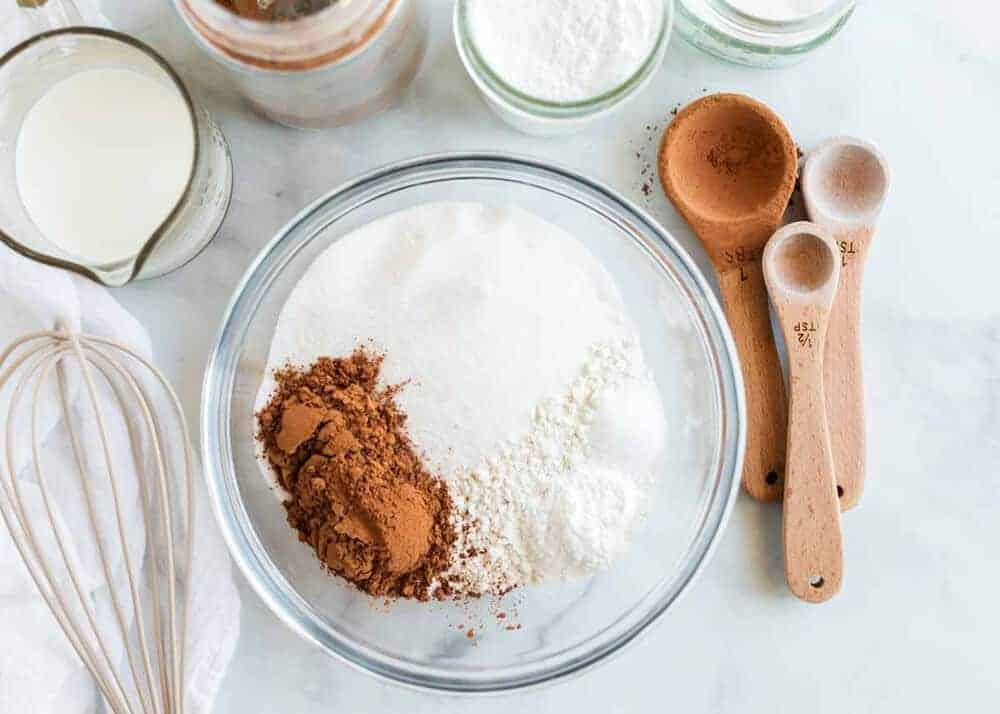 ingredients needed for crockpot chocolate cake