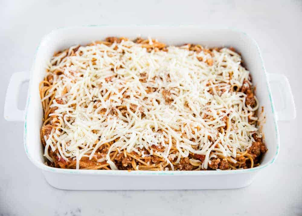 baked spaghetti with mozzarella cheese on top