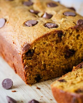 loaf of pumpkin chocolate chip bread