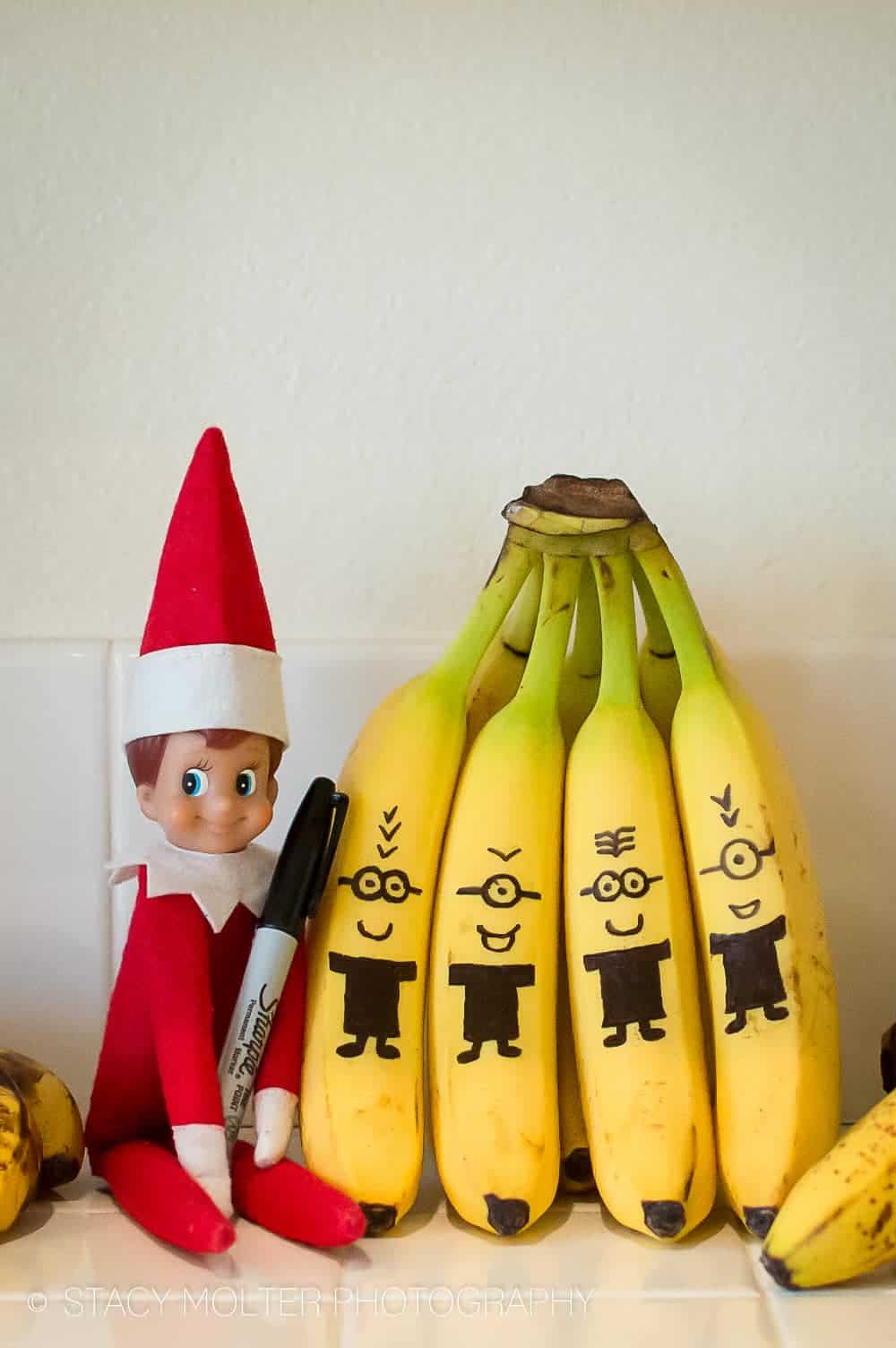 Elf on the shelf banana minions
