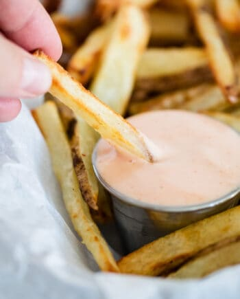 fry sauce and french fries in basket