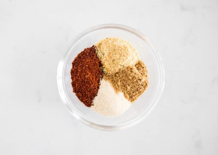chili seasoning in glass bowl
