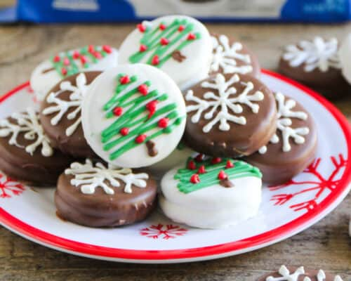 christmas chocolate dipped oreo's on a christmas plate