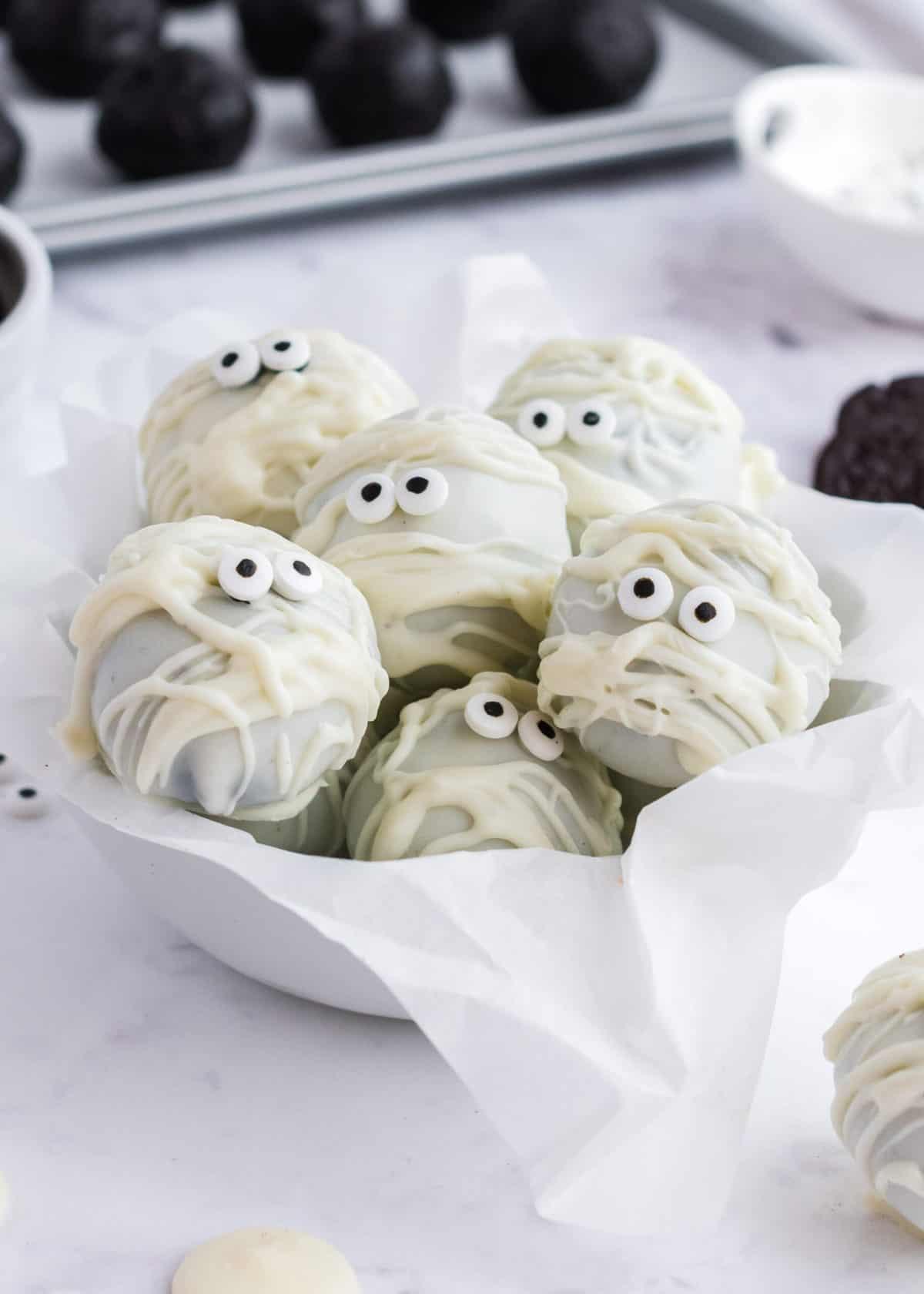 mummy oreo balls in bowl