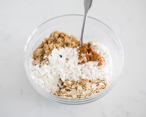 crumb topping in bowl
