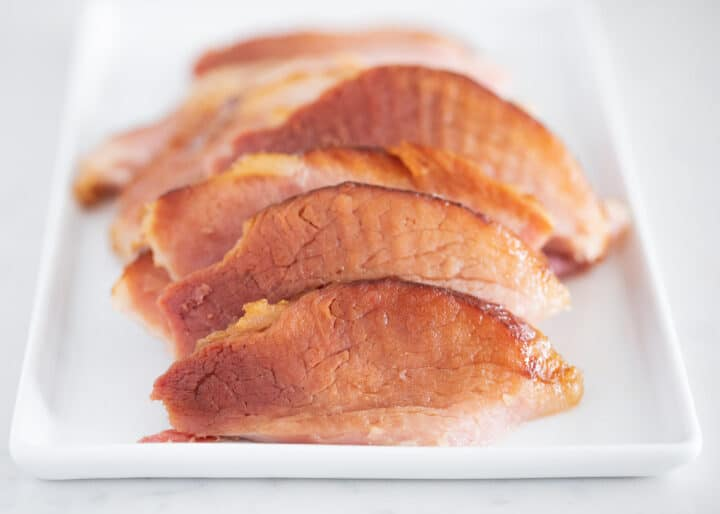 sliced ham on plate