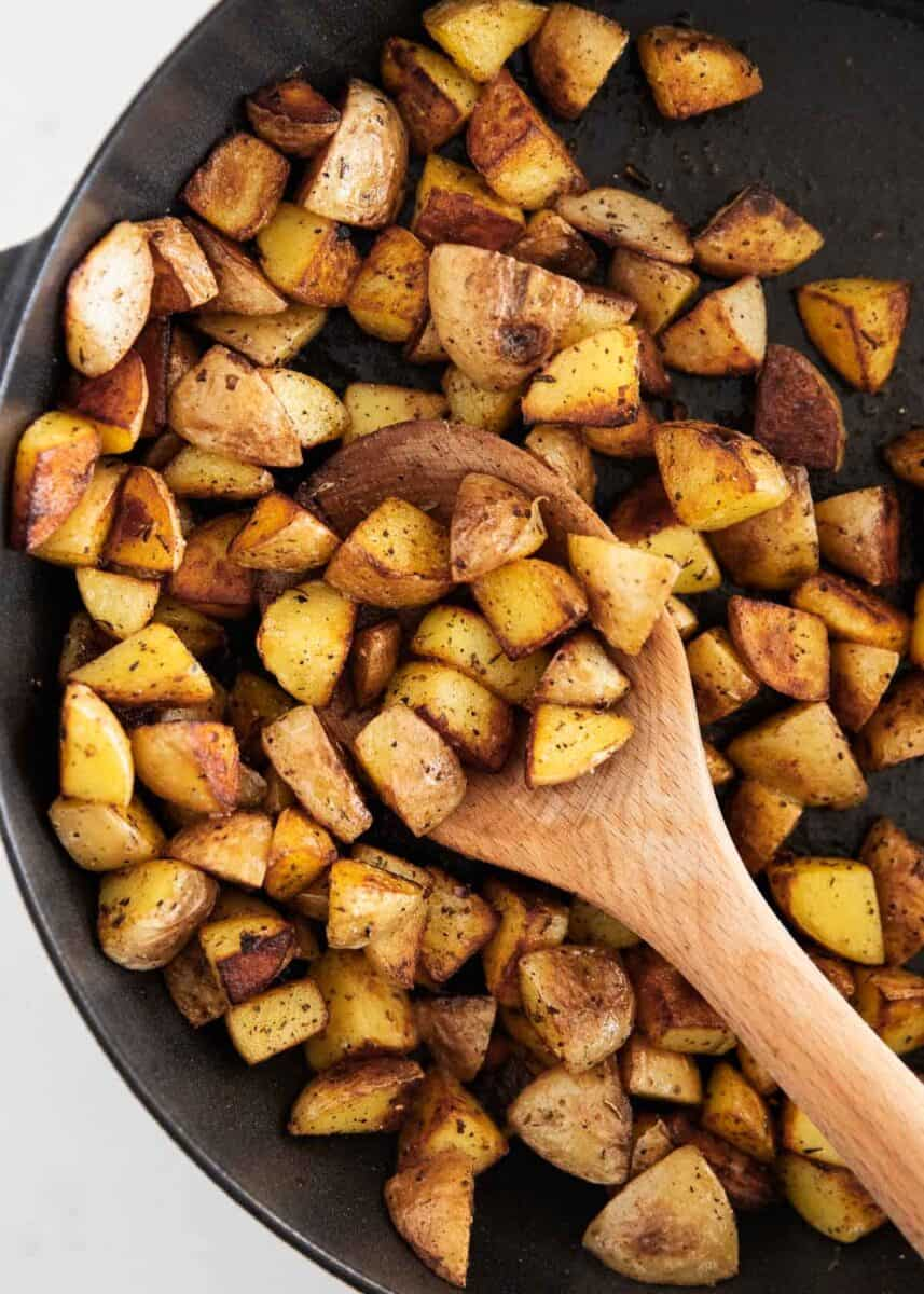 cast iron skillet potatoes in pan
