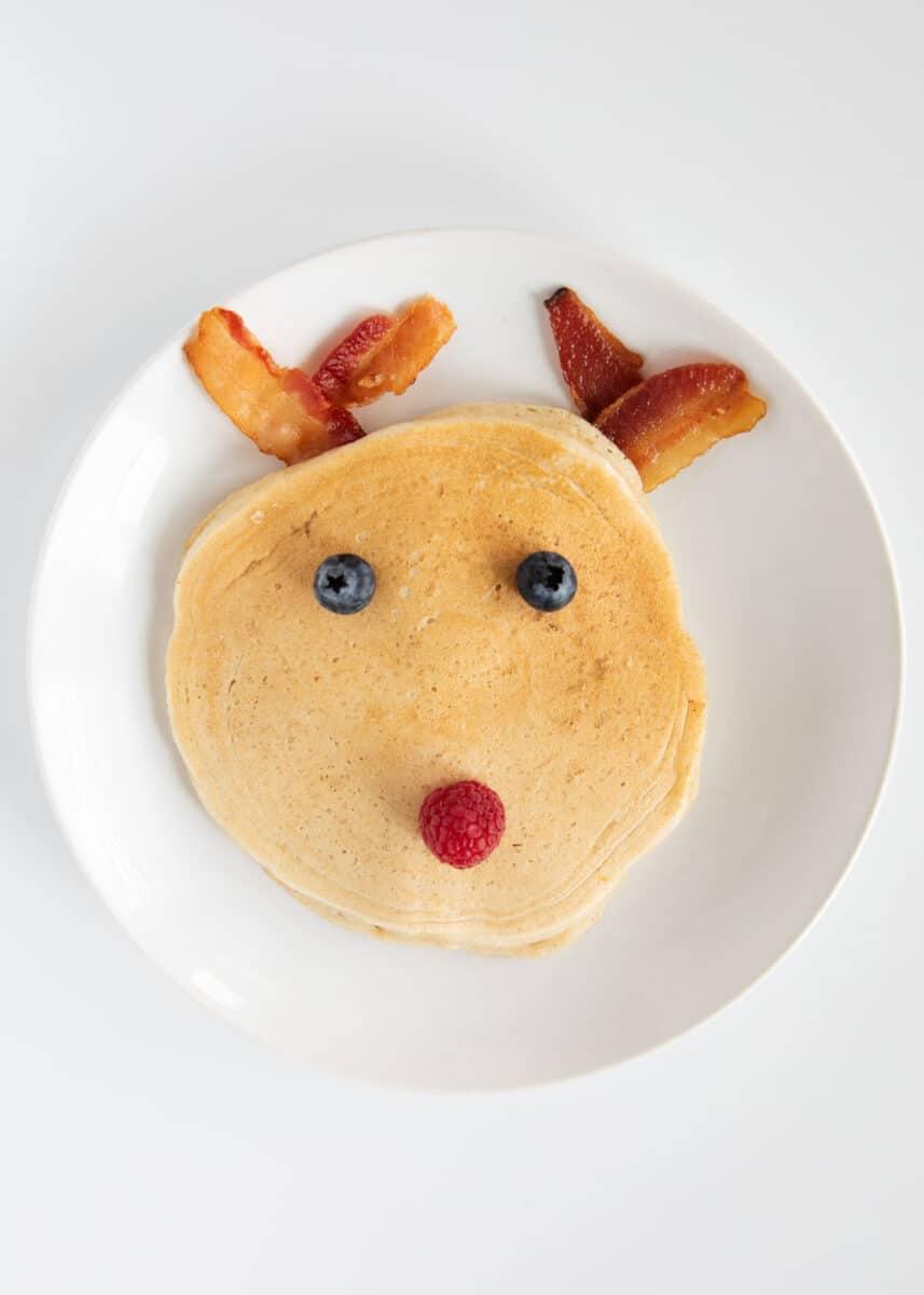 reindeer pancake with berries