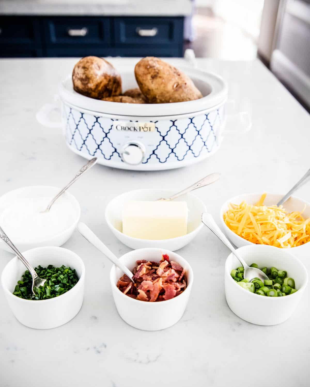 https://www.iheartnaptime.net/wp-content/uploads/2021/02/baked-potato-bar-2.jpg