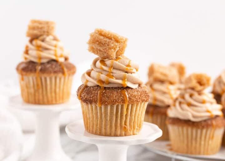 mini tabaklarda churro cupcakes