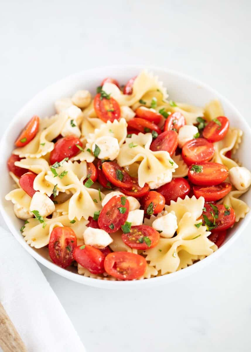 kapta caprese makarna salatası