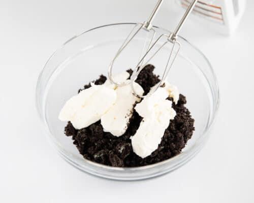 oreo cake pop ingredients in clear bowl